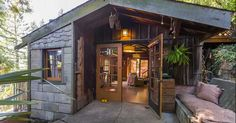 A carriage house was turned into a 750-square-foot tiny home and can be found in Berkeley, Calif.