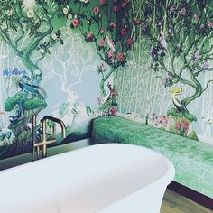 The best cure for the longest Monday of all time? A long warm bath.  and #rg @gattimania