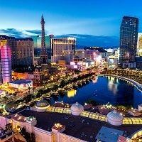 Las Vegas Casinos on a Hot Streak Las Vegas Strip, Vegas Casino, Las Vegas Nevada, Casino Night, Casino Movie, Las Vegas Vacation, Vacation Rentals, Travel Vegas, Viajes