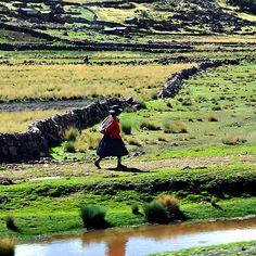 Walk - People - Peru - Latin America