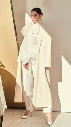 10 Non-Boring Ways to Wear the Classic, Crisp White Shirt Bollywood Celebrities, Bollywood Fashion, Bollywood Actress, Bollywood Style, All White Outfit, White Outfits, Indian Designer Outfits, Indian Outfits, Indian Clothes