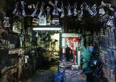 Axe Maker by Ozan Şafak on Garage Workshop, Working Class, Photography Portfolio, Axe, Istanbul, Garage, Garage Shop