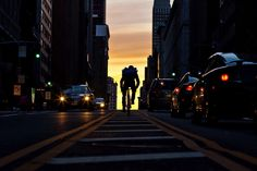 Bike Messenger in NY...awesome photo