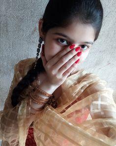 Beautiful Girl Makeup, Beautiful Girl Photo, Beautiful Girl Indian, Desi Girl Image, Lovely Girl Image, Dehati Girl Photo, Girl Photo Poses, Teen Girl Photography, Cute Girl Dresses