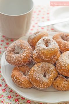 Pin on Recipes to make Desserts Espagnols, Dessert Recipes, Dessert Sans Four, Donut Recipes, Cooking Recipes, Sweet Little Things, Spanish Dishes, Pan Dulce, Beignets