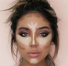 If you're just starting out, or are not great at makeup yet, and you want to try and start contouring, put the contour color on a brush or sponge first. 35 Tips And Tricks Makeup Artists Won't Tell You Beauty Make-up, Beauty Hacks, Hair Beauty, Beauty Care, Natural Beauty, Beauty Tutorials, Natural Makeup, Sleek Makeup, Ageless Beauty
