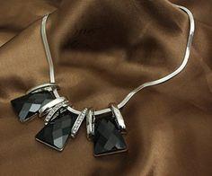 Colar black  Pronta entrega na loja http://mulhervaidosa.iluria.com/pd-48a9b-colar-black.html?ct=26ee5=1=1