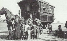 A Gypsy family and their wagon, Epsom Downs, 1938  © Simon Evans - Stopping Places - A Gypsy history of South London and Kent