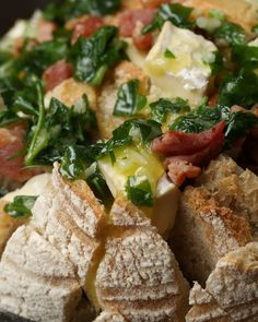 Bacon And Camembert Pull-Apart Garlic Bread
