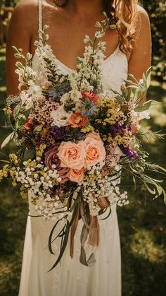 Wildflower Bridal Bouquets, Bridal Flowers, Flower Bouquet Wedding, August Wedding Flowers, Wildflowers Wedding, Bride Bouquets, Rose Bouquet, Autumn Wedding Bouquet, Floral Wedding