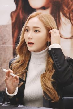 Check out Girls Generation @ Iomoio Jessica & Krystal, Jessica Lee, Krystal Jung, Kim Hyoyeon, Seohyun, Snsd, Girls Generation Jessica, Girl's Generation, Kpop Girl Groups