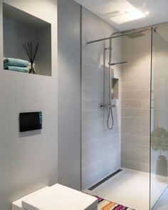 WOW! Så utrolig delikat og kreativt! Dette er baderommet til @villalille, her med VikingBad fast glassvegg. #vikingbad #dusj #baderomsinspo #baderomsinspirasjon #bathroom #baderomsdesign #onetofollow