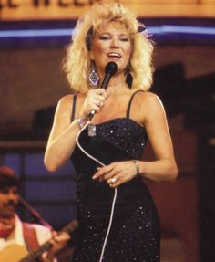 Tanya Tucker. Country Music Quotes, Country Music Artists, Country Music Stars, Pop Singers, Female Singers, Best Country Singers, Tanya Tucker, Vintage Country, Country Girls