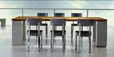 HEAVY METAL – Der federleichte Aluminiumstuhl der Designerin Paola Navone INOUT CHAIR SILVER ist ein futuristischer Hingucker. Die gebürstete und pflegeleichte Oberfläche des Stuhls im Retro-Küchen-Look geben dem INOUT CHAIRS SILVER sein puristisches Charisma. Nicht rostfrei, daher für den Außenbereich nicht geeignet.