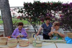 Amigas del Museo enseñan en talleres la elaboración de setiets y cestos http://www.museopusol.com/es/actividad/?id=86&cat=10&dat=11%202014