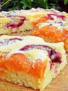 GRÍZES PITE BARACKKAL ÉS SZILVÁVAL Hungarian Desserts, Hungarian Recipes, Baking Recipes, Cookie Recipes, Dessert Recipes, Cream Puff Recipe, Yummy Food, Tasty, Summer Desserts