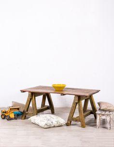 Antigua mesa de madera reciclada. Realizada en madera maciza. Sobre de madera, pintado a mano y patina original.No ha sido necesario su restauración.  #mesa #rustico #estilo #tendencia #mueble #casa #hogar #decoracion #diseño #interior #restauracion #reciclado Table, Furniture, Home Decor, Rustic Furniture, Antique Furniture, Wrought Iron, Solid Wood, Vintage Decor, Country Style Furniture