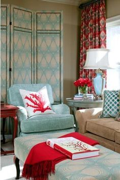 Beautiful Turquoise Room Ideas for Inspiration Modern Interior Design and Decor. Find ideas and inspiration for Turquoise Room to add to your own home. House Of Turquoise, Living Room Turquoise, Living Room Red, Eclectic Living Room, Living Spaces, Red Curtains Living Room, Living Area, Cottage Living, Coastal Living