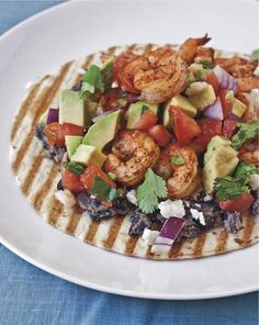 Grilled Shrimp Tostados with Mashed Black Beans and Avocado Salsa Fresca {#Giveaway} #dinner #Mexican