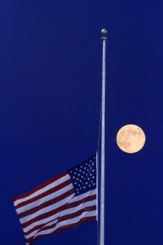 2012 An American flag flies at half-staff in honor of the passing of Neil Armstrong, in front of the rising blue moon at a baseball park in Richmond. Dean Hoffmeyer / AP Related Content READ: Blue moon coincides with Neil Armstrong service ☽ American Symbols, American Flag, Amazing Photos, Cool Photos, Beautiful Places In America, Baseball Park, Sun Moon Stars, Neil Armstrong