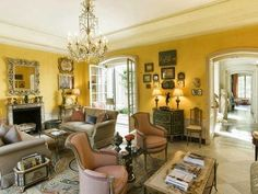 Graceful yellow living room at 125 East Street, the former home of Bunny Mellon. House Design, Decor, Nyc Townhouse, Luxury Homes, Furniture, Family Room, Yellow Living Room, Home Decor, Room