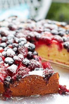 Leckerer Joghurt-Beerenkuchen für das neue #ichbacksmir Thema - sooo lecker!