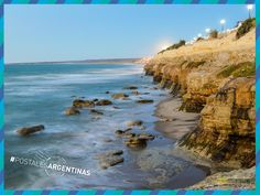 #LasGrutas de perfil. ¿Fuiste? ¿Te gustaría ir? #Turismo #Argentina #RíoNegro #ViajesGuíasYPF #GuíasYPF #Viajes #YPF