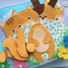 Страница «Собери животное». Здесь 4 персонажа: кот, собака, медведь и белочка. Выбор пал на них из-за одной цветовой гаммы Голова и хвост - на магнитной кнопке. Вкусняшки для животных можно положить прямо в лапки. Цветы надеваются на пуговицы соответствующего цвета. Играть можно так, как хватает вашей фантазии Можно крепить голову животного и подбирать правильный хвост (и обязательно этим хвостом повилять в знак благодарности), а потом счастливого питомца покормить тем, что он больше в...