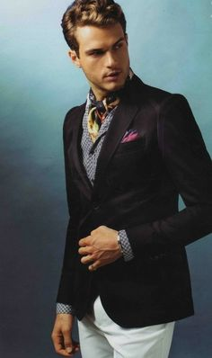 With an ascot tie - can your groom pull it off?