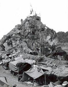IMG 6-60 - 1950-1951 - The rock of Ninh Binh - (Yng Guy)