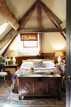 Cosy Attic Bedroom - Emma Burns has created a comfortable, charming retreat in her parents' converted stable block - bedroom design on HOUSE by House & Garden Farmhouse Bedroom Furniture, Farmhouse Style Bedrooms, Bedroom Furniture Sets, Bedroom Sets, Cosy Bedroom, Bedroom Storage, Modern Farmhouse, Farmhouse Design, Office Furniture