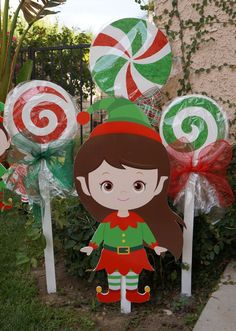 20 Cheap DIY Outdoor Christmas Decorations 4 The post 20 Cheap DIY Outdoor Christmas Decorations 4 appeared first on Belle Ouellette. Elf Decorations, Christmas Yard Art, Christmas Wood, Decoration Table, Lollipop Decorations, Christmas Carnival, Cheap Christmas, Holiday Decor, Yard Art
