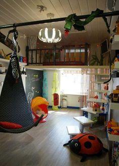 http://www.kinderdesign.ru/interier/detskaya-svoimi-rukami.html