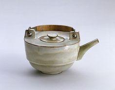 Theodor Bogler, Combination teapot with braided metal handle (L6), 1923 / Bauhaus-Archiv Berlin, Photo: Fred Kraus / © Vereinigung der Benediktiner zu Maria Laach e.V.