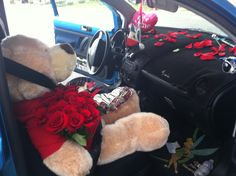Valentines day idea! Super adorable!!!! Rose petals giant teddy bear chocolate covered strawberries roses!!!