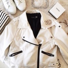 White Faux Leather Cropped Moto Jacket I adore this creamy white faux leather jacket from Forever 21 but unfortunately it doesn't fit me anymore  Excellent condition, worn less than 5 times. Zippered pockets. Slightly cropped. Forever 21 Jackets & Coats