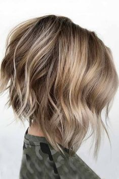 70 Fantastic Stacked Bob Haircut Ideas , Messy Bob Haircut Ideas ❤ Don't be afraid to try something new and see how much you'll love the stacked bob hairstyle. A cut like this is sassy and tr. Modern Bob Hairstyles, Best Bob Haircuts, Messy Bob Hairstyles, Bob Haircuts For Women, Medium Bob Hairstyles, Angled Bob Haircuts, Womens Bob Hairstyles, Hairstyles Haircuts, Inverted Bob Hairstyles