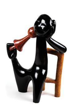 Jean LAMBERT-RUCKI (1888-1967) Petite fille à la chaise, vers 1938 Bronze polychrome, signé, numéroté 4/8 et cachet JDV (tirage posthume) 71 x 40 x 28 cm Un certificat d'authenticité sera remis à l'acquéreur.… - Eve - 16/11/2015