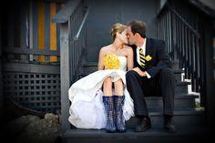Rainy wedding | matrimonio sotto la pioggia | sposa bagnata, sposa fortunata | for more ideas: http://theproposalwedding.blogspot.it/2013/10/sposa-bagnata-sposa-fortunata.html #rain #wedding #matrimonio #pioggia