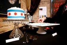 Chicago wedding cake! // photography by Spark + Tumble
