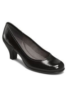 Aerosoles Wise Guy Black Patent Leather Round Toe Low Heeled Pump. These will go with just about everything!