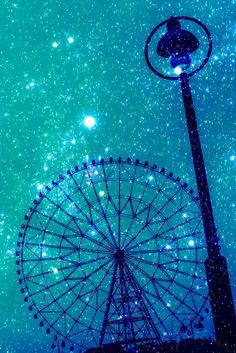 星空の観覧車 - ぱくたそ #観覧車 #写真 #photography