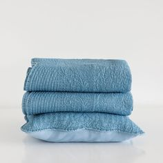WASHED DENIM CUSHION COVER AND QUILT - Quilts - Bedroom | Zara Home... ($32) ❤ liked on Polyvore featuring home, bed & bath, bedding, quilts, zara home and denim bedding