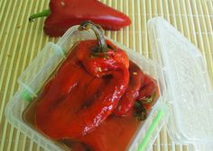 Grilled Pepper Salad - Salata de ardei copti Salad Recipes, Vegan Recipes, Vegan Food, Delicious Recipes, Romanian Food, Romanian Recipes, Eggplant Salad, Grilled Peppers, Love Eat
