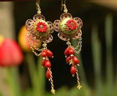 hello dolly - swinging spring earrings / Jennifer Morris   #Jewellery