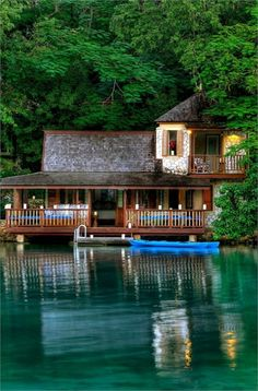 Top 10 Beautiful Houses on the Water, Goldeneye hotel & resort Jamaica