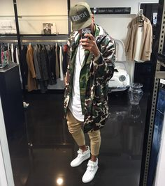 Men's and womens fashion, clothing, apparel - minimal streetwear / street style outfit 2017 Urban Outfits, Cool Outfits, Fashion Outfits, Urban Street Style, Casual Street Style, Fashion Moda, Urban Fashion, Womens Fashion, Street Outfit