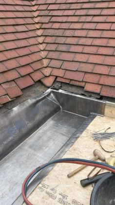 Always nice to see examples of how leadsheet is best used. Work by Leeds Leadworkers Lead Roof, Dormer Roof, Copper Work, Brick Architecture, Roof Detail, Metal Working, Kitchen Decor, Engineering, Construction