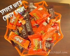 Spider Web Candy Bowl: SUPER Simple Candy Halloween Crafts