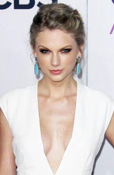 LOVE her earrings